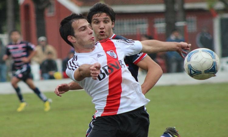 FOTO: Andrada en la Reserva ante Unión - Club Atlético River Plate.